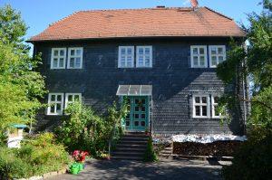 Guxhagen-Gemeindehaus-Kirche